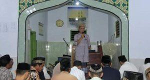 Safari Ramadhan di Desa Padengo, Bupati Syarif Berikan Bantuan di Masjid Baturrahim
