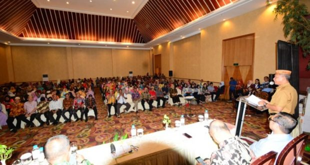 Wabup Amin Haras Buka Sosialisasi Pengelolaan Keuangan Desa Berbasis IT di Manado